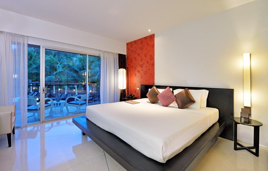 superior- room-pool-view.jpg