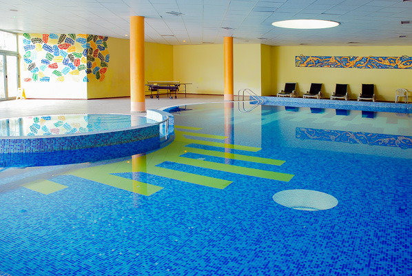 Nisipurile de Aur, Hotel Mimosa, piscina interioara.jpg