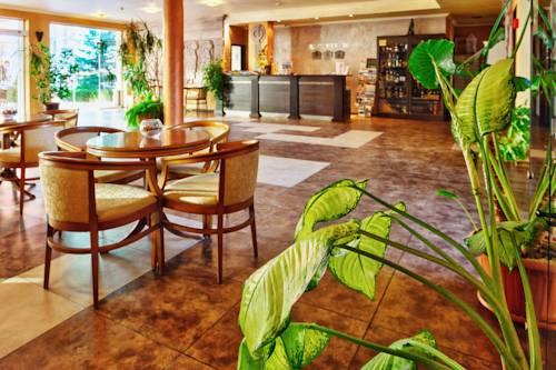 restaurant hotel forum.jpg