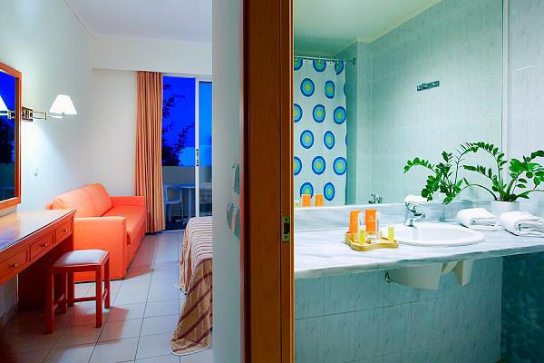 Rodos, Hotel Miraluna Garden, camera, standard, baie.jpg