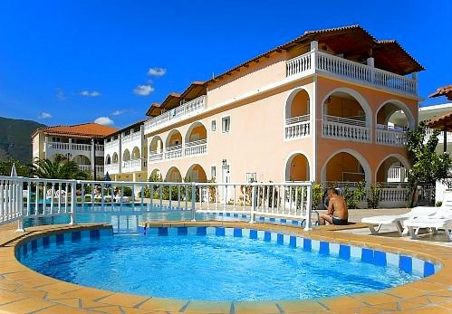 Zakynthos, Plessas Palace, exterior, hotel, piscina.jpg