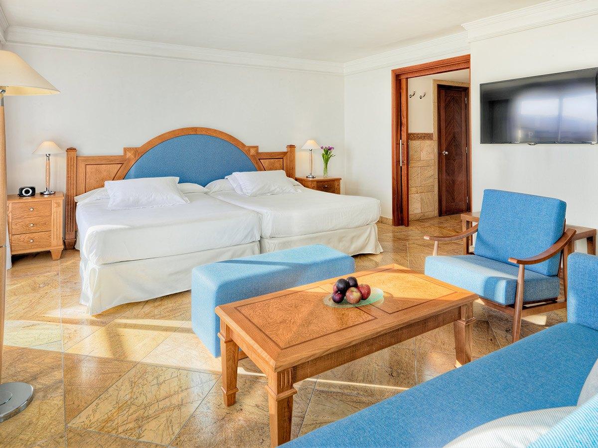 Mallorca_Hotel_H10_Boutique_Blue_Mar_Mallorca_camera_paturi_tv.jpg
