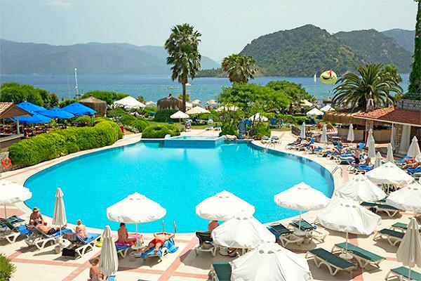 Marmaris, Hotel Marti la Perla, exterior, piscina, sezlonguri.jpg