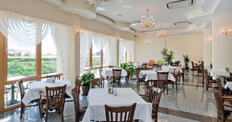 viand restaurant.jpg