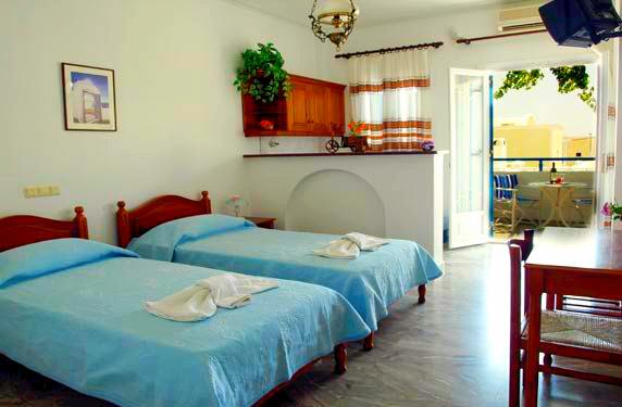 Santorini, Zeus, camera, paturi, terasa.jpg