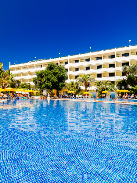 Tenerife, Hotel H10 Tenerife Playa, piscina exterioara.jpg