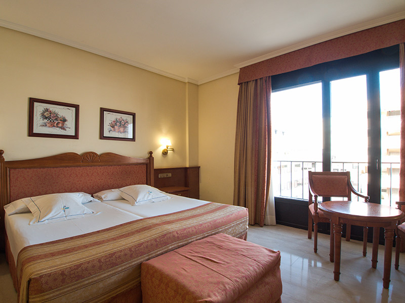 01_Hotel_Zentral_Center_Habitacion-DOBLE.jpg