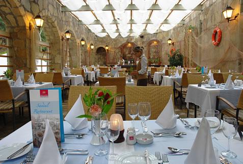 Hotel Barut Hemera restaurant.jpg