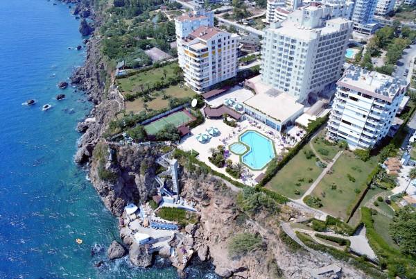 grand-hotel-adonis-1.jpg