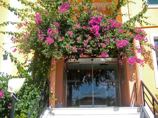 Zakynthos, Hotel Oscar, intrare.jpg