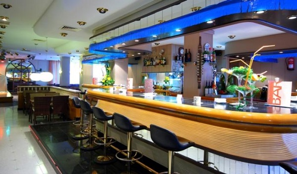 Valentin reina Paguera, interior, lobby bar.jpg