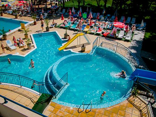 Sunny Beach, Hotel Laguna Park, piscina, tobogane.jpg