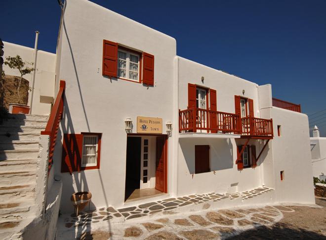 the_hotel_1271340639.jpg
