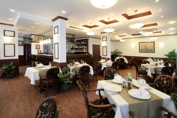 Shkorpilovtsi, Hotel Long Beach Resort, restaurant.jpg