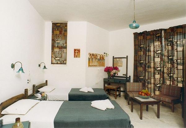Thassos, Hotel Elotia, camera, pat twin.jpg