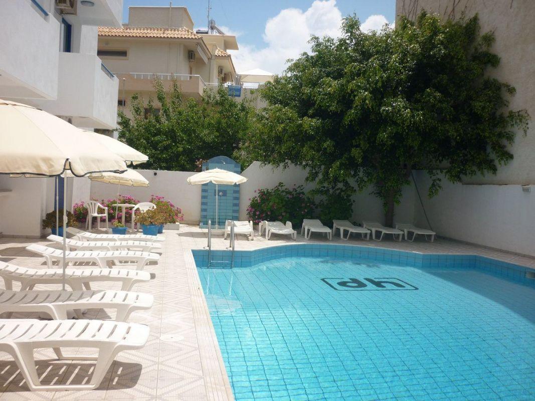 Central-Hersonissos-Swimming-Pool-2.jpg