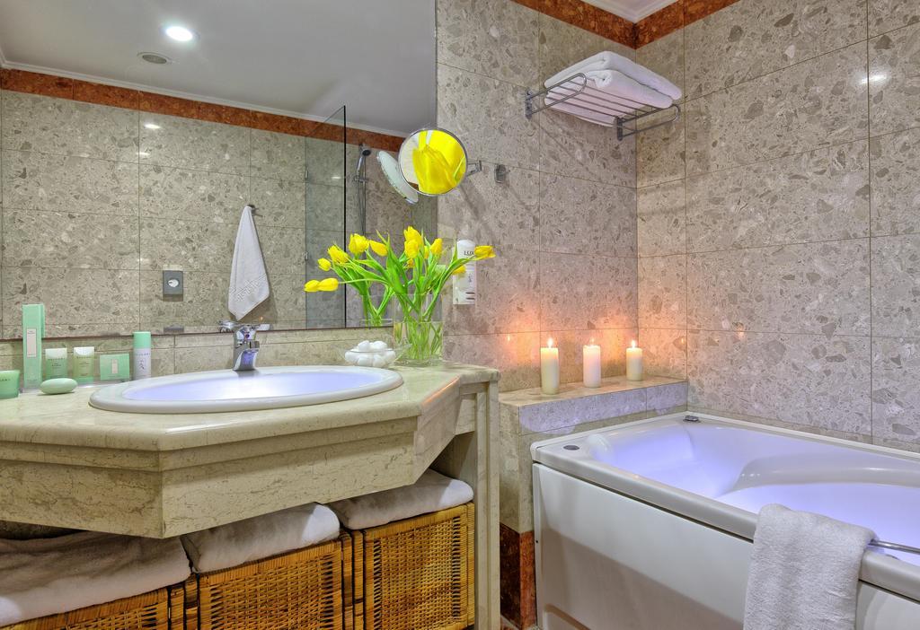 Apollonia Beach Resort & Spa 6.jpg