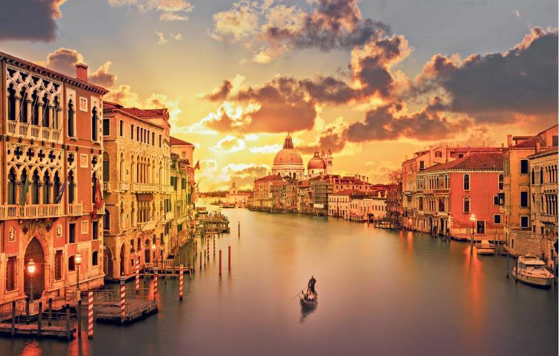 Venetia, Hello Holidays.jpg