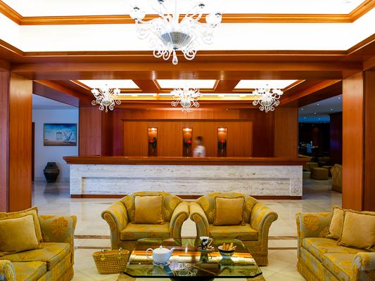 Hotel Mitsis Serita, tobogane, receptie.jpg