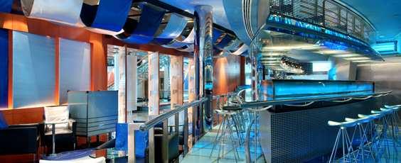 Hilton_Dubai_Creek_eatdrink_issimobar02_facility.jpg