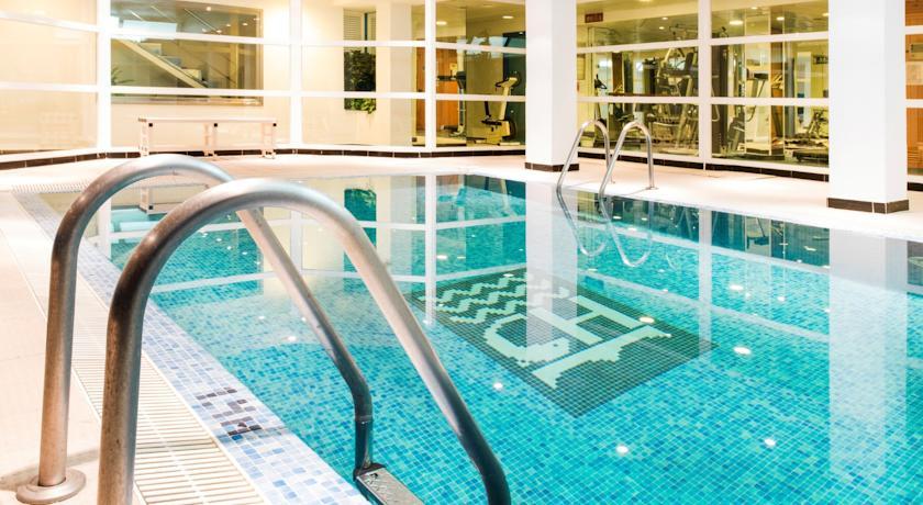 piscina in.jpg