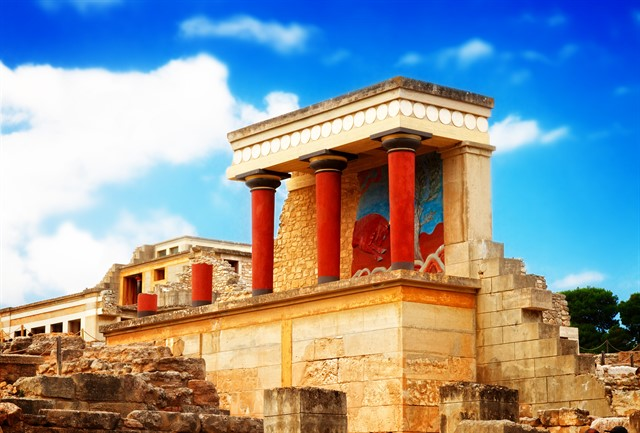 Knossos palace at Crete, Greece_640x433.jpg