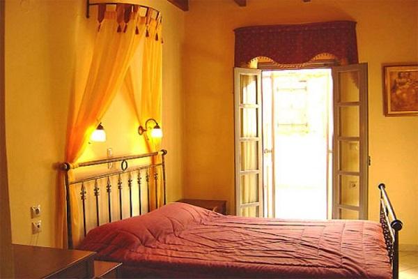Hotel Belmondo, Chania, camera, pat, terasa.jpg
