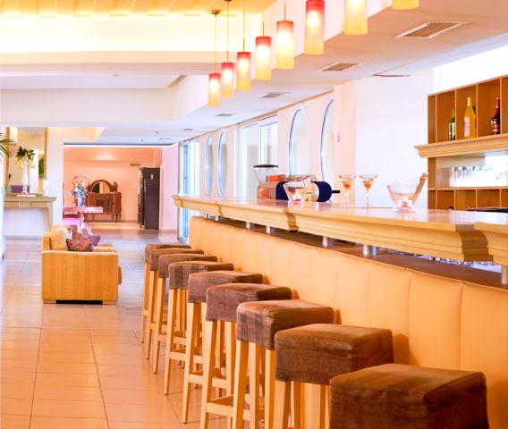 Corfu, Hotel Ariti Grand, interior, bar.jpg