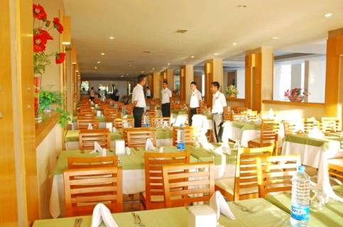 Hotel Ephesia poza restaurant.JPG