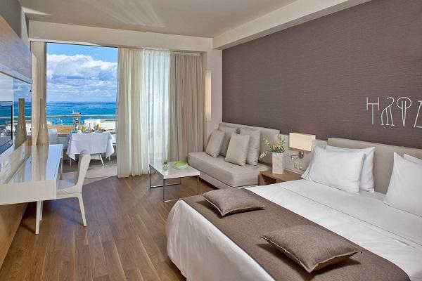 Avra Imperial Resort, Chania, camera, pat, terasa.jpg