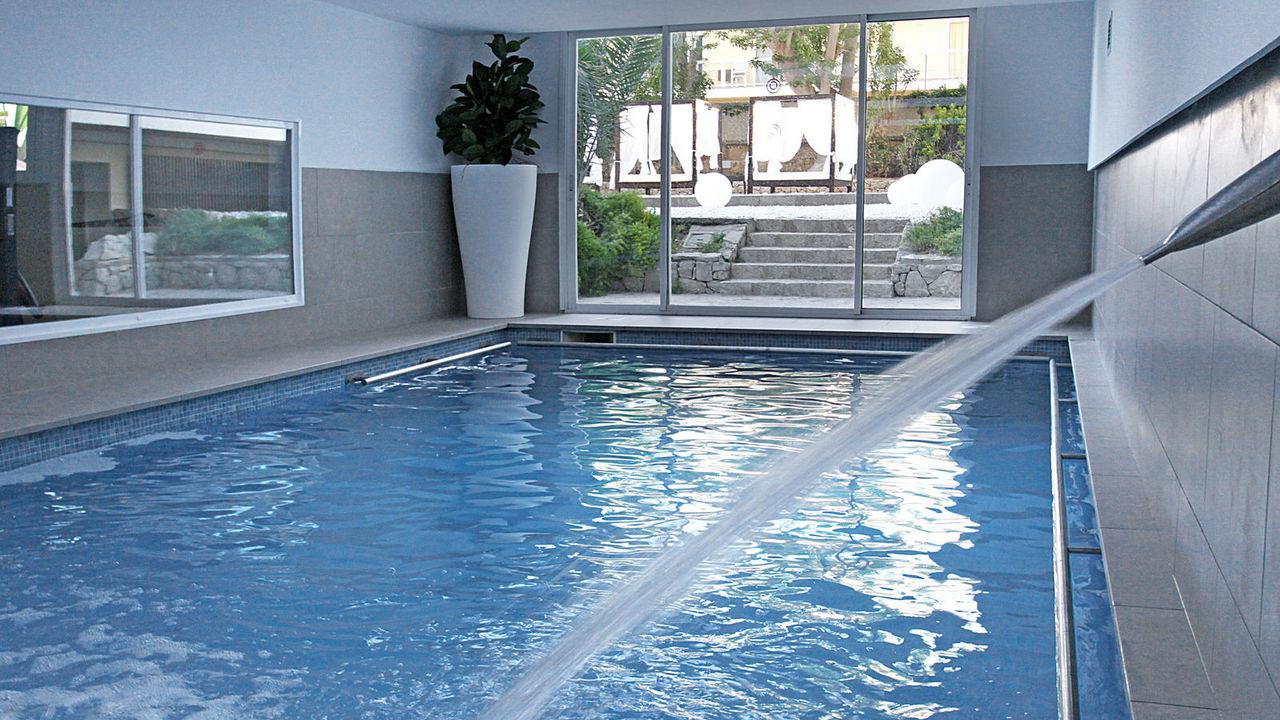 bg java piscina interioara.jpg