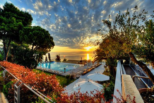 Corfu, Hotel Kontokali Bay, panorama.jpg
