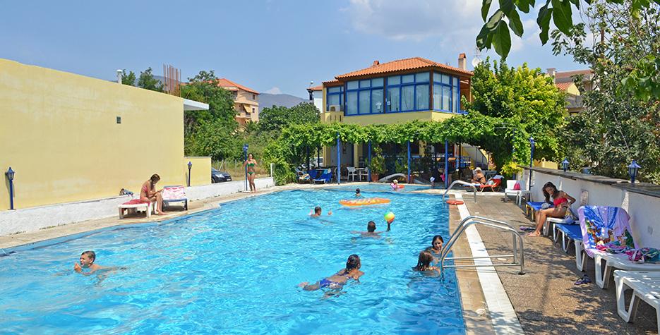 thalassies piscina.jpg
