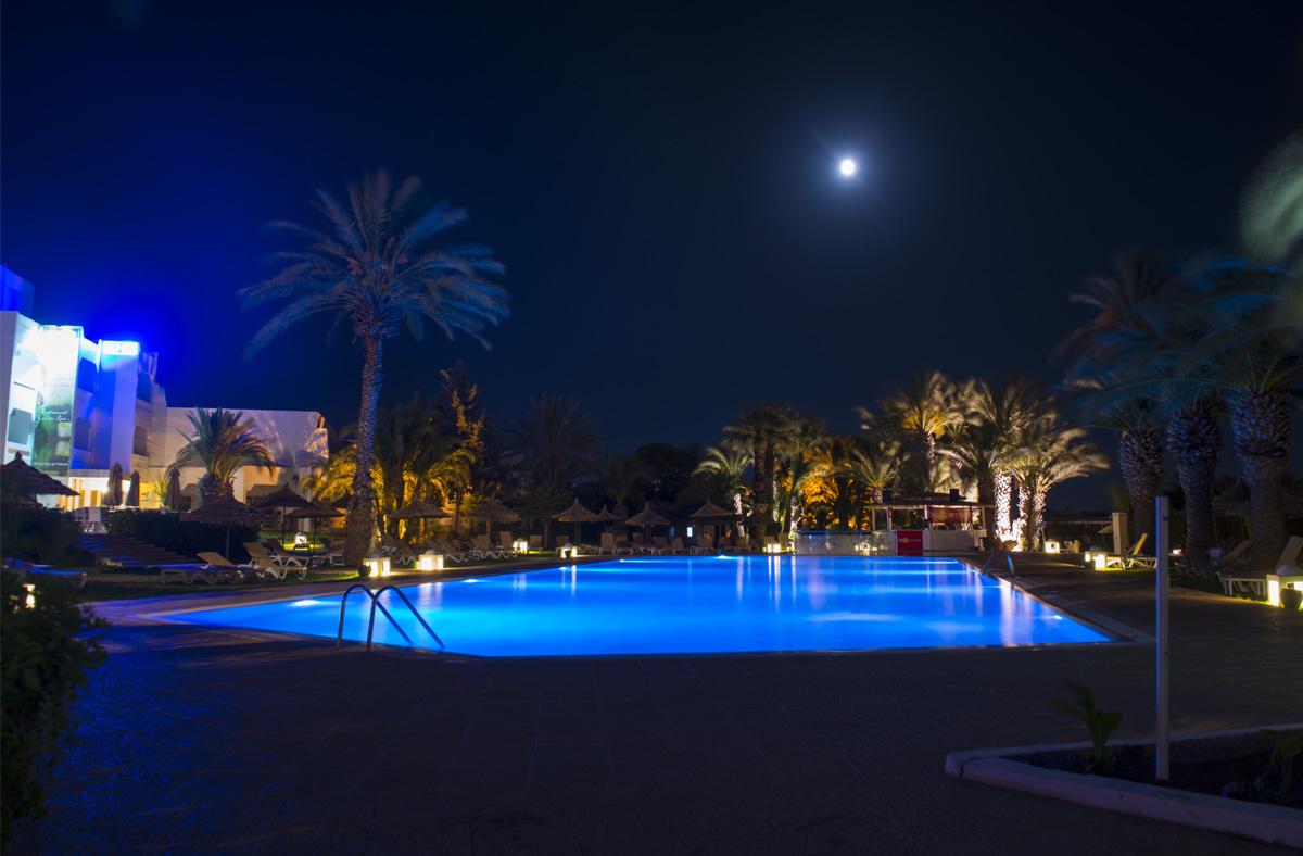 06c60-piscine-principale.jpg