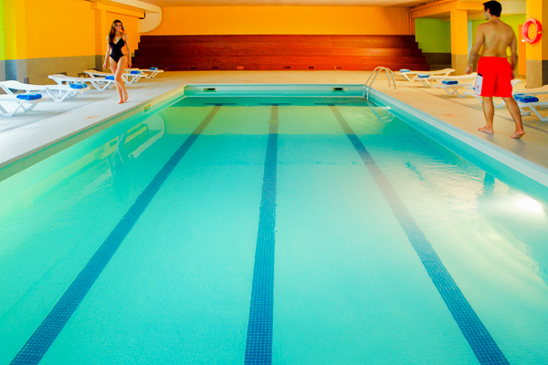 Costa Brava, Aqua Hotel Bella Playa, piscina interioara.jpg