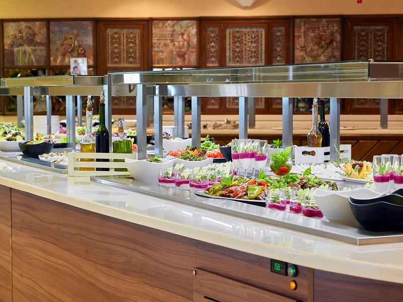 RM-CF099851-Main-Restaurant.jpg