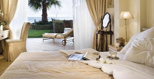 Hotel Sani Asterias Suites suita standard.jpg