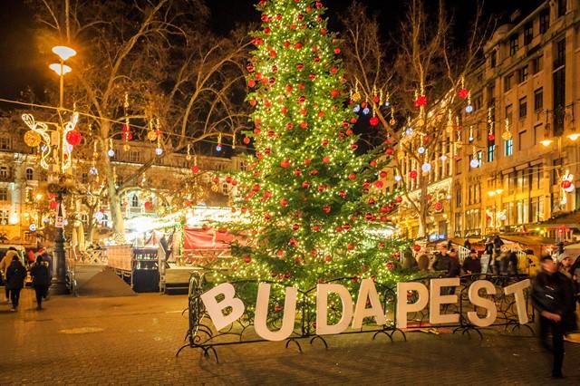 budapesta ungaria craciun 2_640x426.jpg