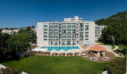 Hotel Tara.jpg