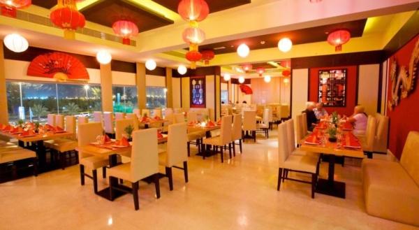 Emiratele Arabe Unite, Ras al Khaimah, restaurant - Copy.jpg