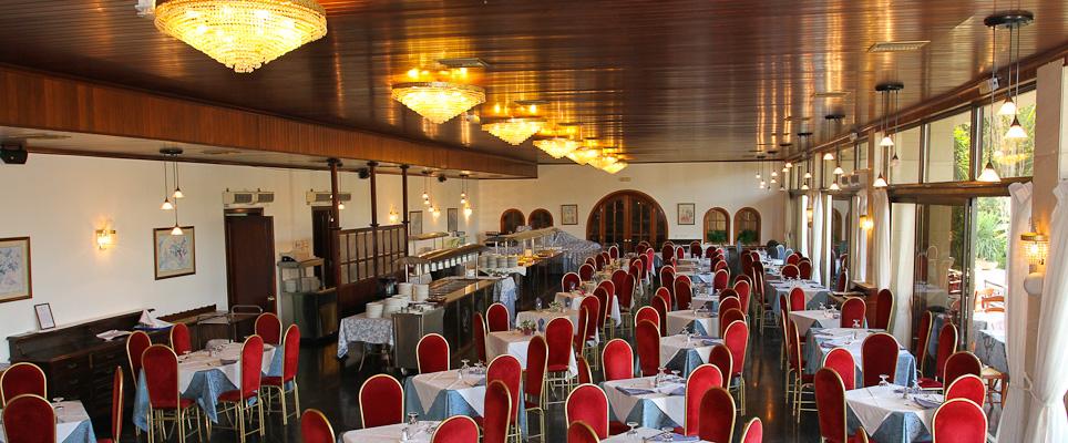 Corfu, Hotel Messonghi Beach, restaurant.jpg