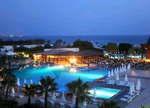 Hotel Paloma Beach Resort piscina.JPG