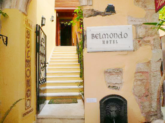Hotel Belmondo, Chania, exterior, intrare.jpg