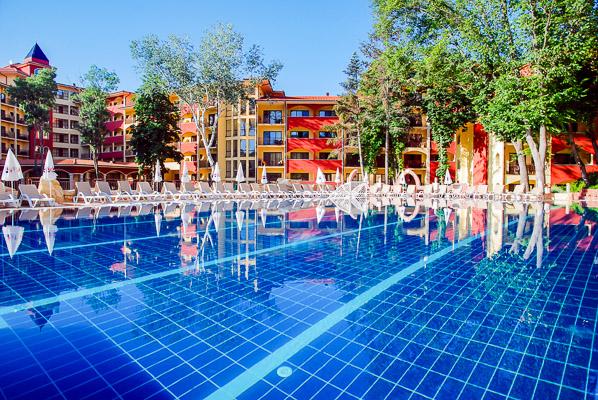 Bolero pool 1.jpg