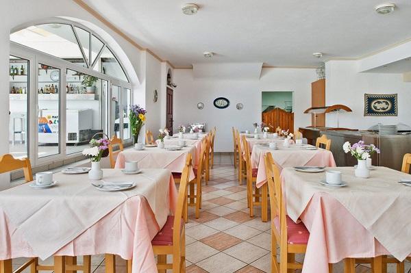 Santorini, Makarios Beach, interior, restaurant.jpg