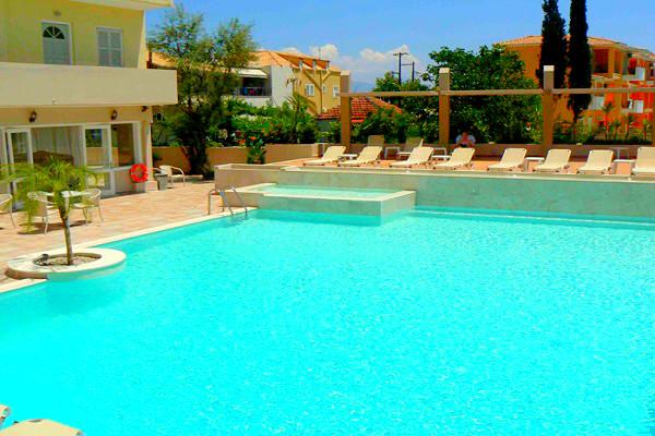 Lefkada, Hotel Happyland, exterior, piscina, hotel.jpg