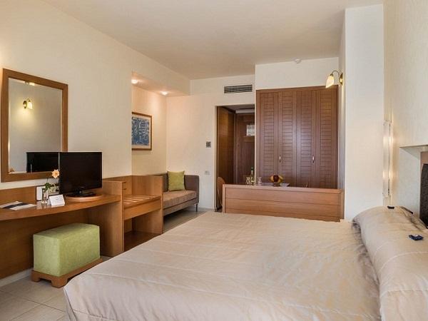 cretan-dream-royal-one-room-suites-mountain-view-0001-1024x683.jpg