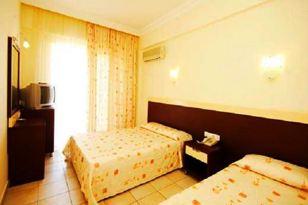 Alanya, Hotel Kleopatra Beach, camere, twin, tv, AC.jpg