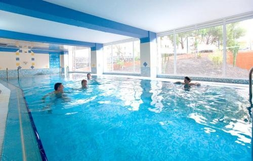 Tenerife, Hotel Aguamarina Golf, piscina interioara.jpg