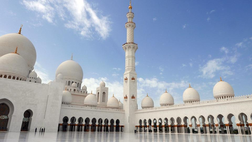 abu-dhabi-1266923_960_720.jpg